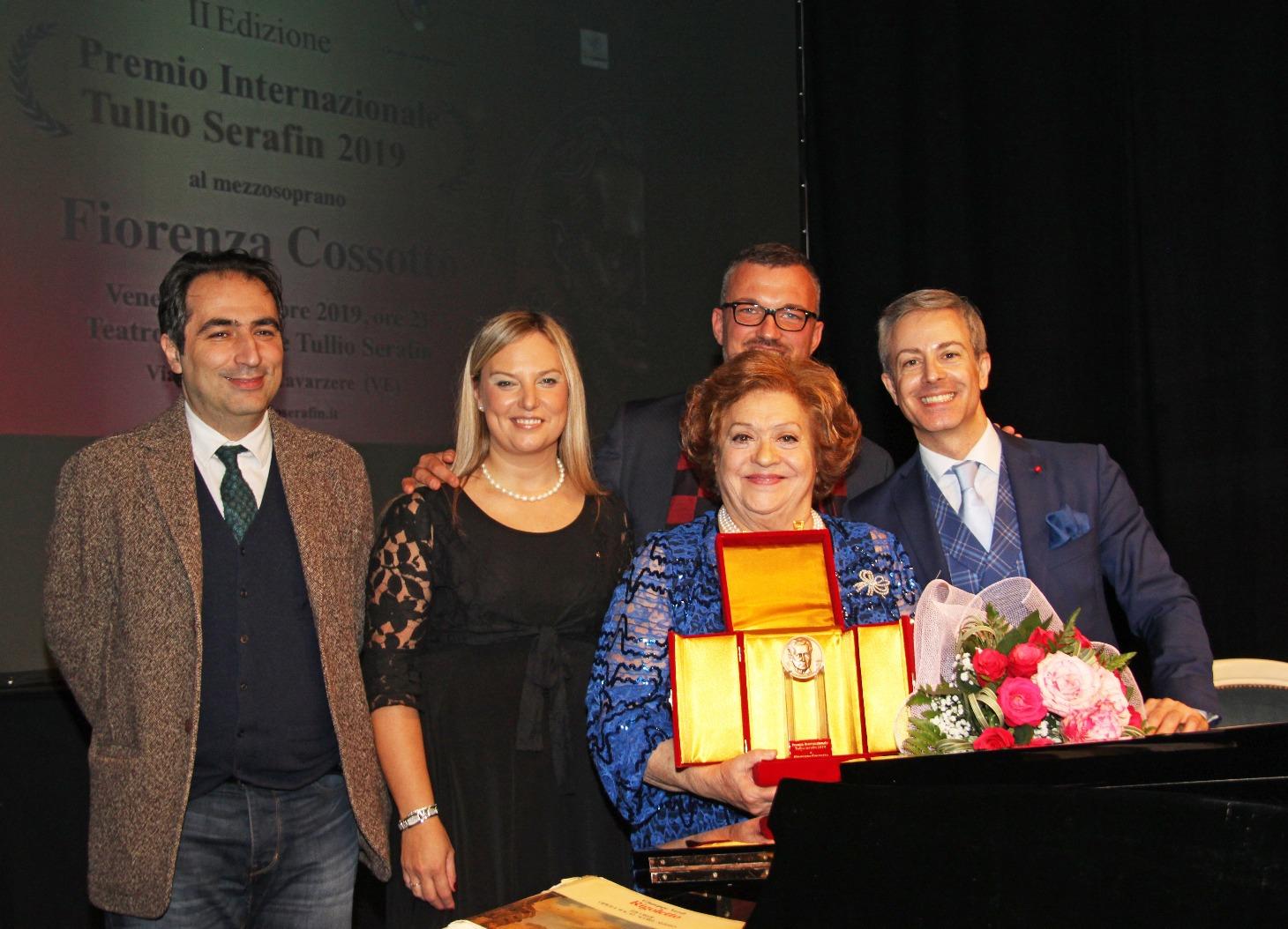 """Fiorenza Cossotto premiata in ricordo del """"suo"""" Maestro di Cavarzere"""